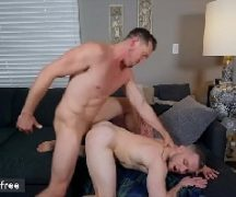 Videogay com dois rapazes gozando na boa transa