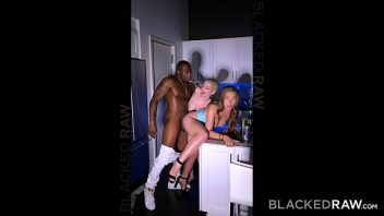 Contos eroticos amadores com negro  comendo duas patricinhas