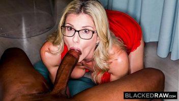 Mulher fodendo com o negro bom de sexo