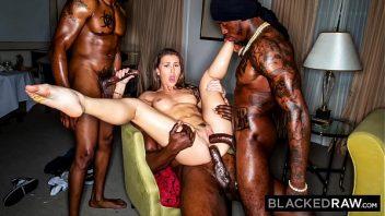 Xvideo blog puta linda em suruba com os negros