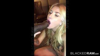 Homem e mulher fazendo sexo bem gostosinho