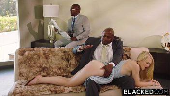Porno irado com loira na foda com dois negros