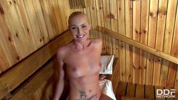 So gozadas na boca da mulher na sauna