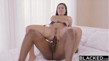Video porno 2019 uma linda mulher fica tomando pica preta