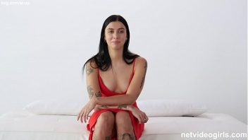 Chat online sexo rabuda na cama fode no pelo