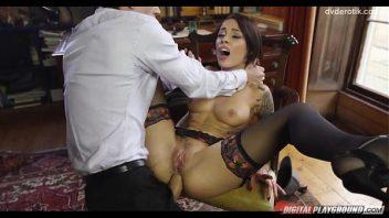 Pornohub.com gata bem linda dando a buceta para o empresário