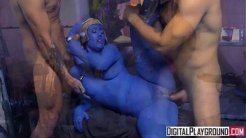 Vídeo eróticos de gata em suruba com os machos