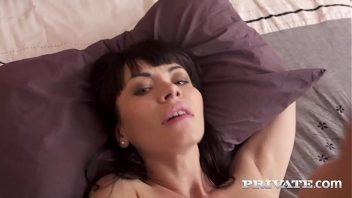 Xvideos playboy comeno o cu da mulher de quatro