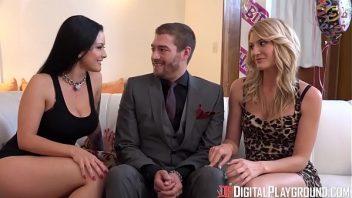 Xvideos primas belas em suruba com o cara na sala de casa
