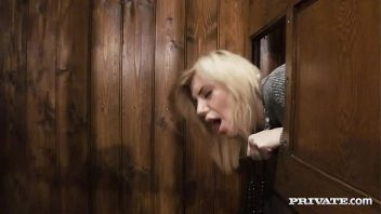 Porno cabine loira bem gata sendo fodida bom