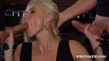Sexy vídeos de loira nua na suruba com os caras