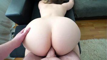 Porno doido brasileira nua tem seu cu comido demais